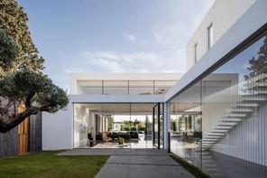 Modern – Minimalist – House F by Pitsou Kedem Architects