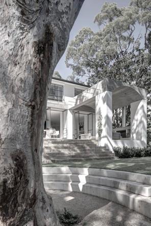 Castlecrag house by Polly Harbison Design