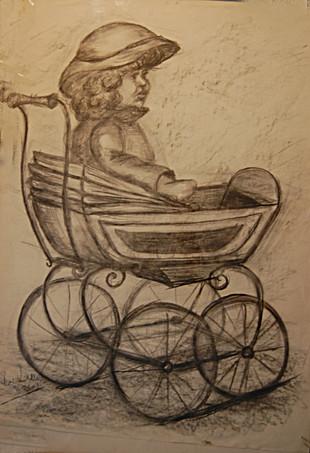 Pop in antieke poppenwagen
