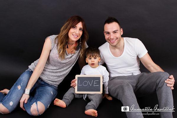 seance photo famille, seance photo famille salon de provence, photographe famille salon de provence, photographe famille istres, photographe famille pelissanne, photo de famille en studio