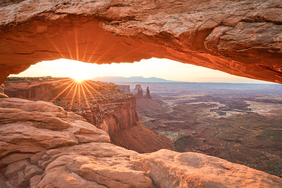 Canyonlands National Park, Sunrise, Mesa Arch