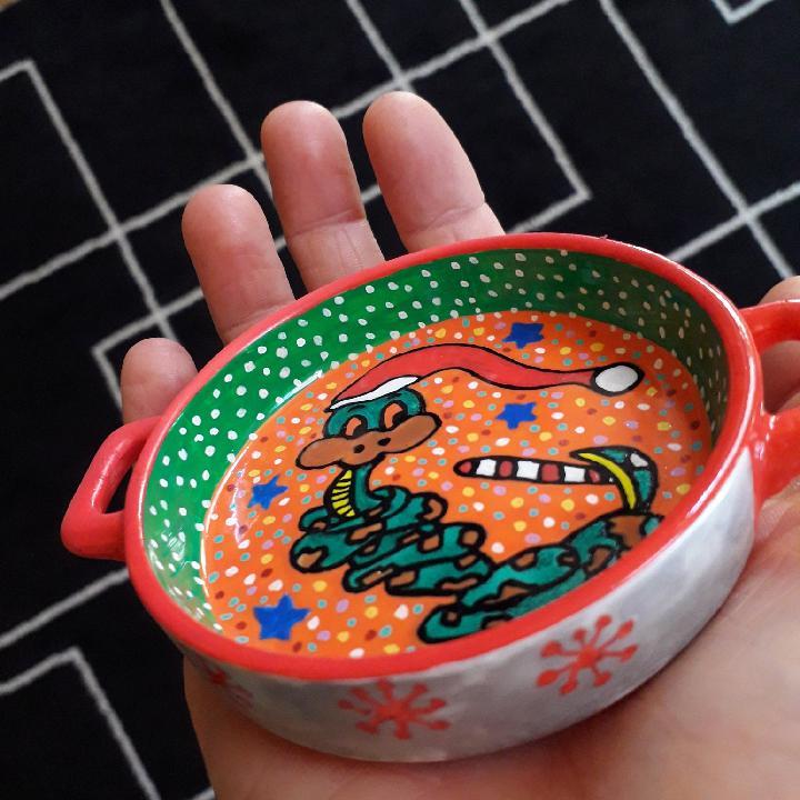 des objets décorés main