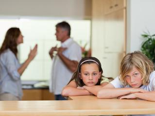 Brigas do casal, nunca devem acontecer na frente dos filhos