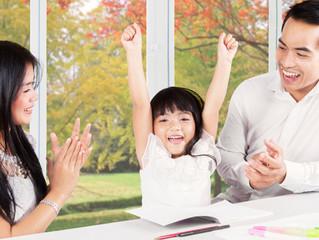 Você Sabe a Diferença EntreElogioeEncorajamento? Qual é a Melhor Forma de Estimularmos Nossos Fil