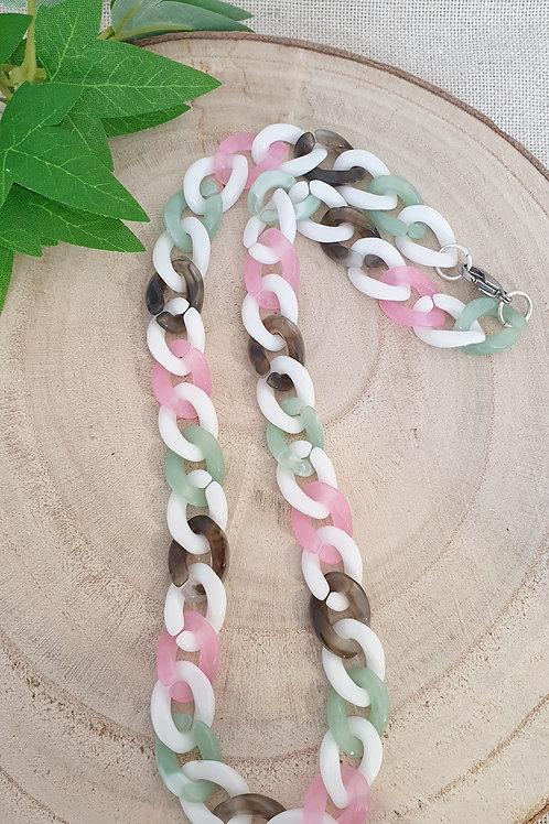 collier rose vert blanc et gris chaine en maillons en acrylique