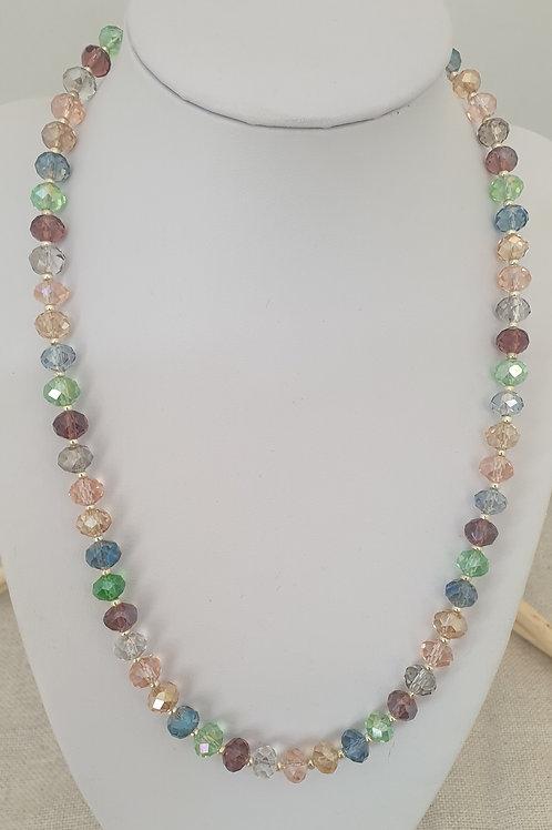 Collier multicolore en cristal.