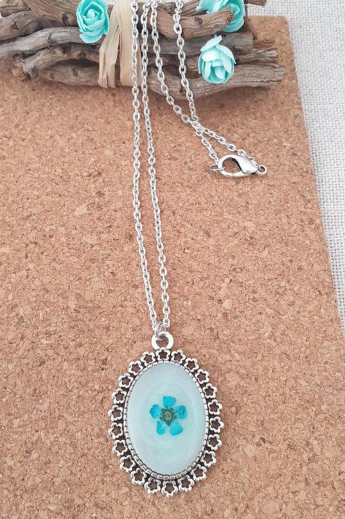 """Collier Vintage """"fleurs séchées""""."""