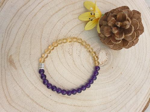 Bracelet violet et jaune.