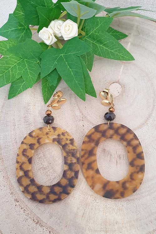 boucles d'oreilles forme ovale en résine effet animal serpent mat