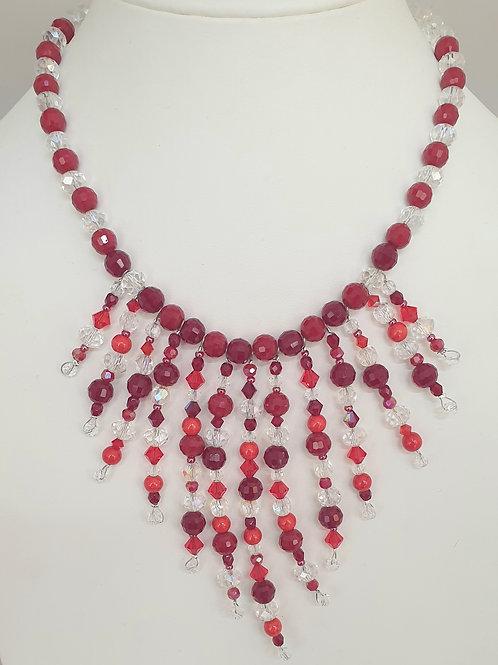 Collier rouge et cristal en perles.