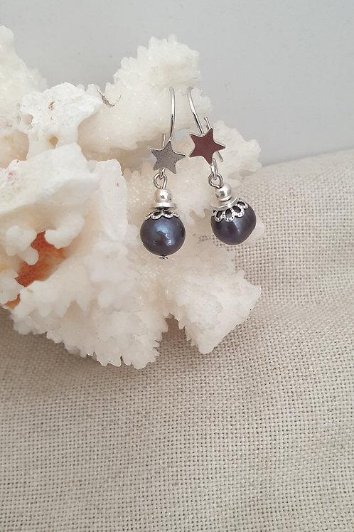 Boucles en perles d'eau douce.