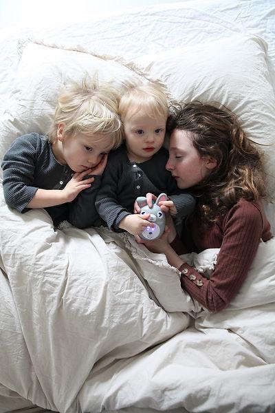 Enfants sous la couette