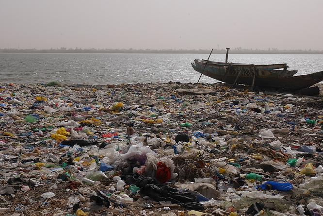 plage-polluée (4).png