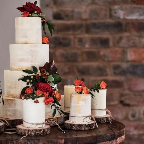 Gorgeous wedding cakes.