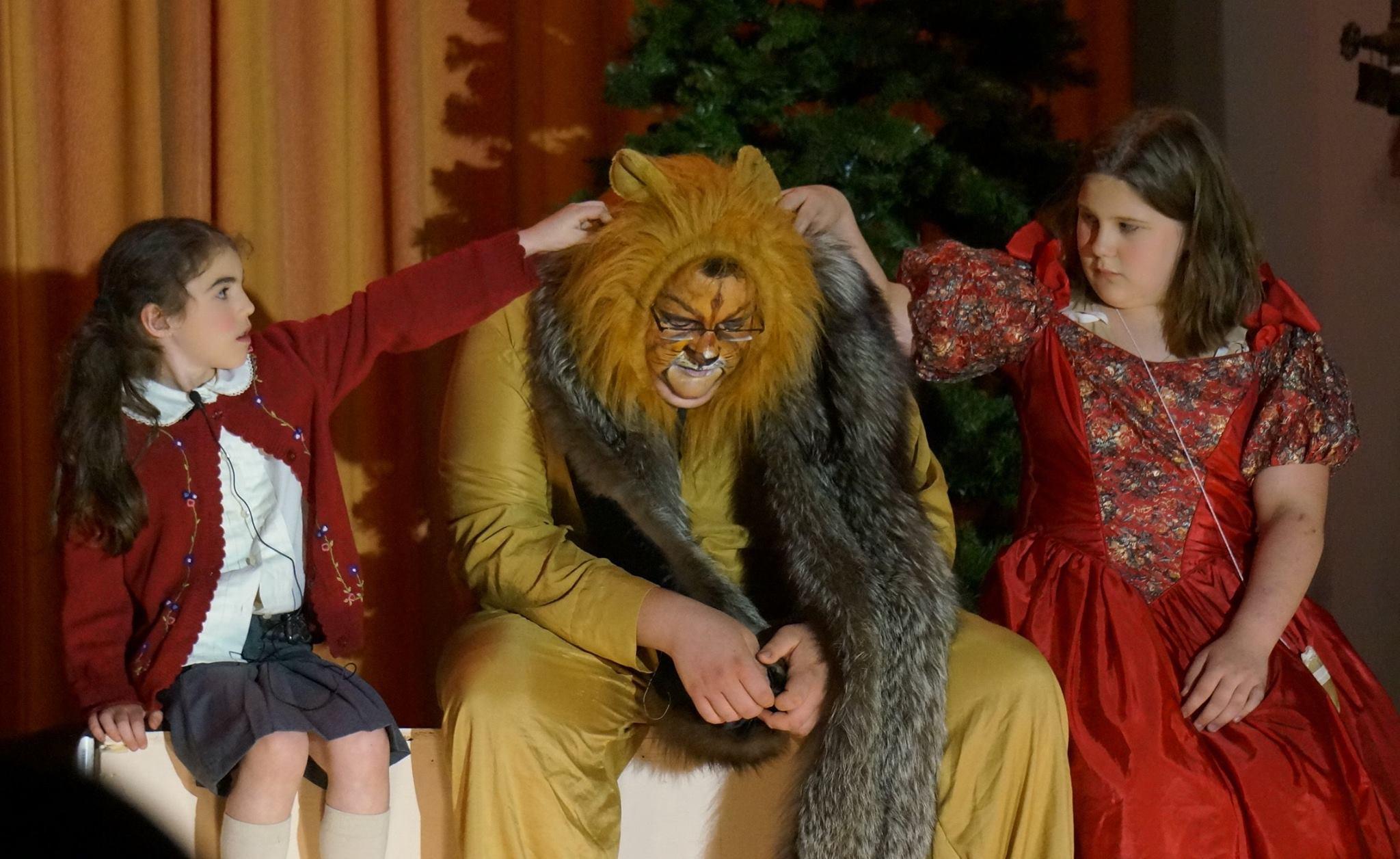 Lucy, Aslan, Susan