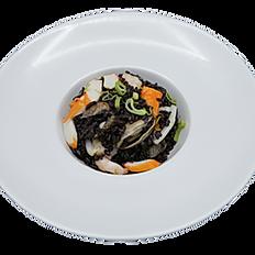 95 Riso nero con frutti di mare