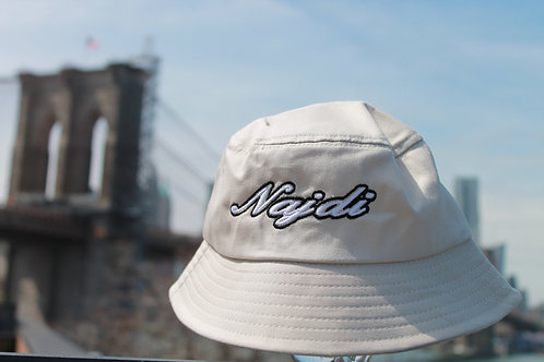 Najdi Script Bucket Hat (Cream)