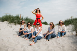 BeachMotelGirls-34.jpg