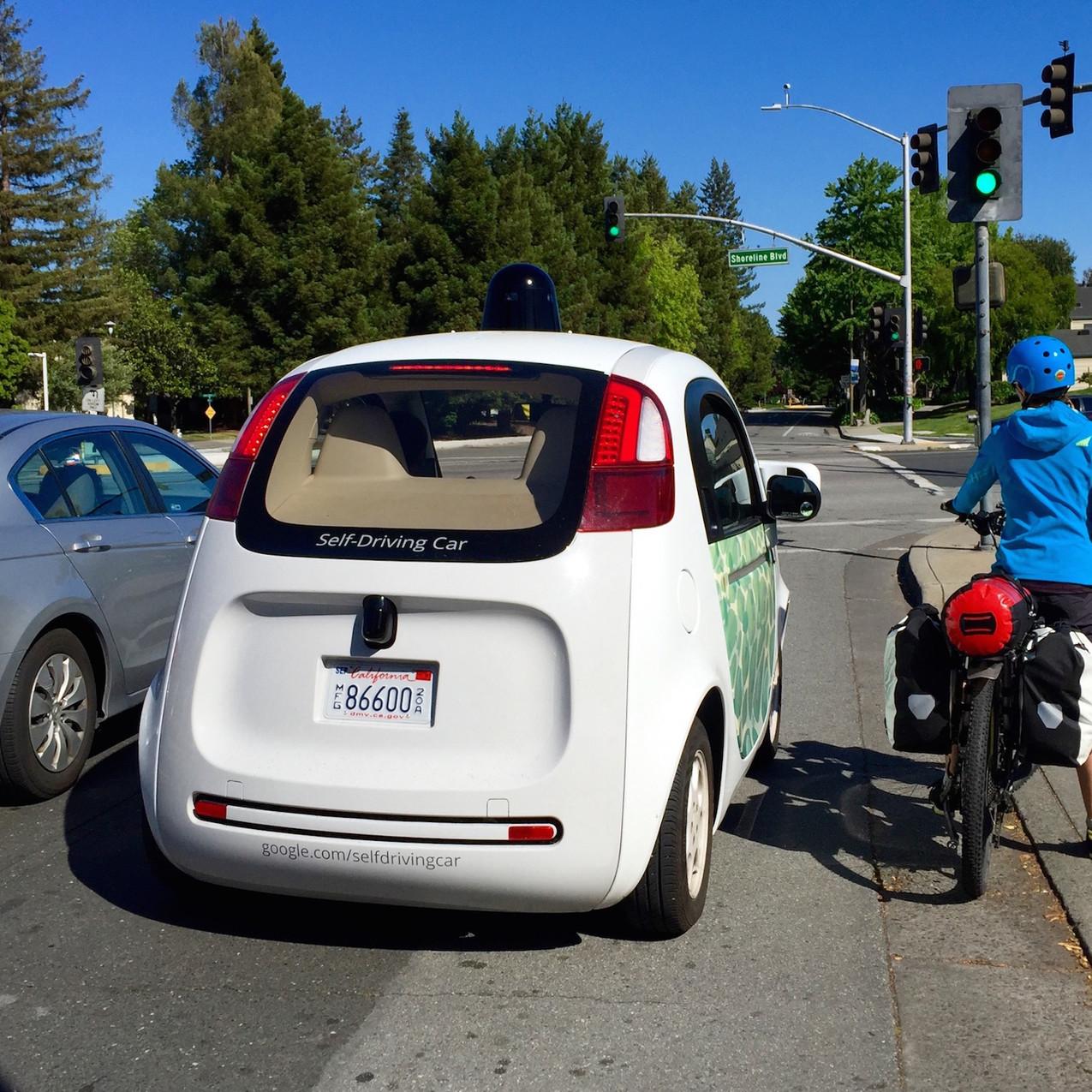 Sand-to-Snow_e-bike-meets-Google-car