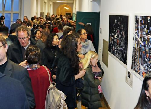 YouthNet schließt erfolgreich zweiten Jahrgang ab / Fotoausstellung und Podiumsdiskussion beeindruck