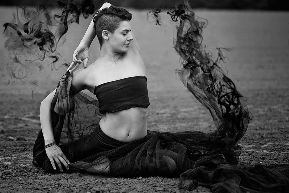 portrait-sw-outdoor-shooting-yoga-frau-a