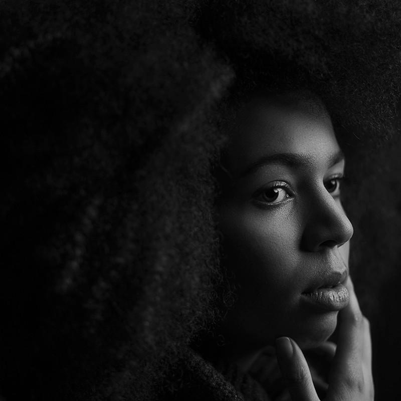 jane-portrait-fine-art-schwarz-weiß2.jpg