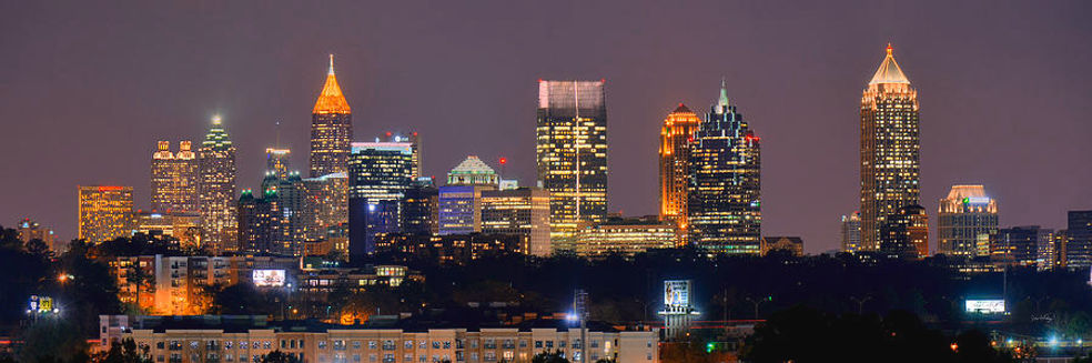atlanta-skyline-at-night-downtown-midtow