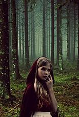 girl-1510359_1920_edited.jpg