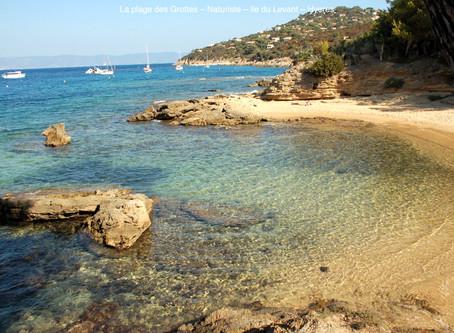 2020-10-3/10 - Restado en naturista centro en le Levant