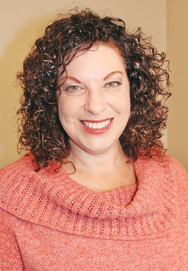 Lora Greenberg, PA-C and CEO of Feeling Fabulous. She's a physician assistant and is board-certified in lifestyle medicine from ACLM (American Collge of Lifestyle Medicine)