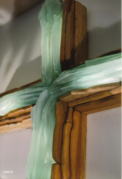 Detail Cross