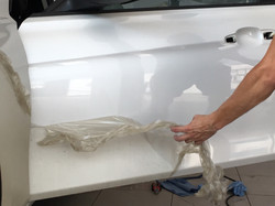 Демонтаж защитной полиуретановой пленки с кузова автомобиля