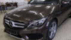 Защитная оклейка кузова автомобиля мерседес полеуретановой антигравийной пленкой в Москве