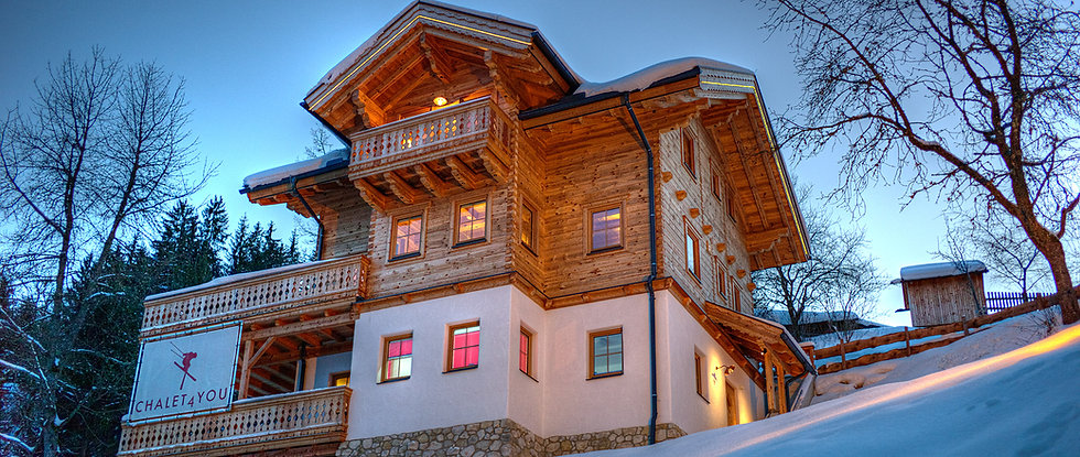 ski-lodge-schladming