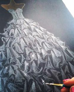 Silver glitter paint 😍😍🎨✨✨✨ ✨##artysparkly #dressillustration #fashionsketch #fashionillustration