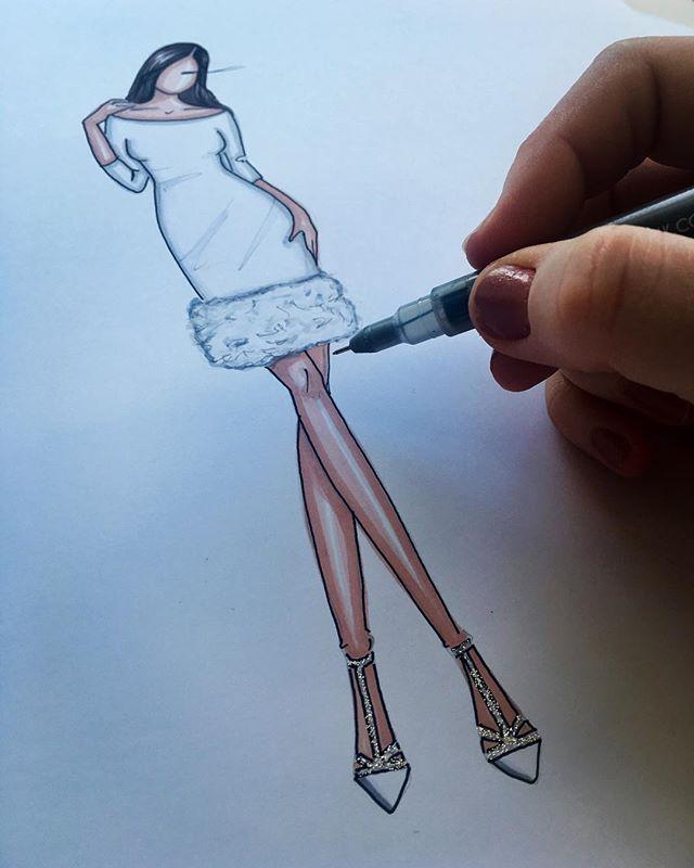 Sketching _pamellaroland .....🎨✨. 😍✨