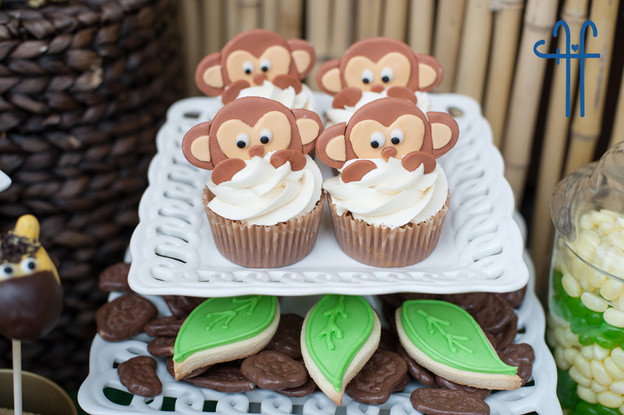 monkey cupcakes.jpg