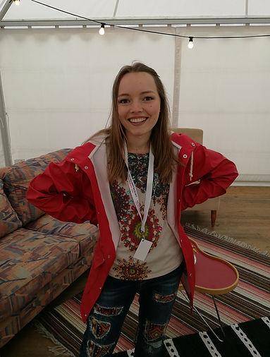 Anja Lagerqvist backstage innan spelning på Tall Ships Race i Halmstad.