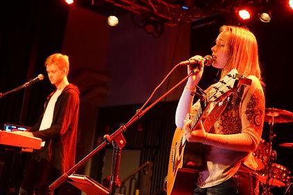 """Anja Lagerqvist har släppt ett fullängdsalbum, två EP och fyr singlar, varav två är skrivna av Harpo (känd med """"Moviestar"""")"""