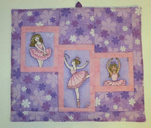 560 Wall hanging, Ballerina