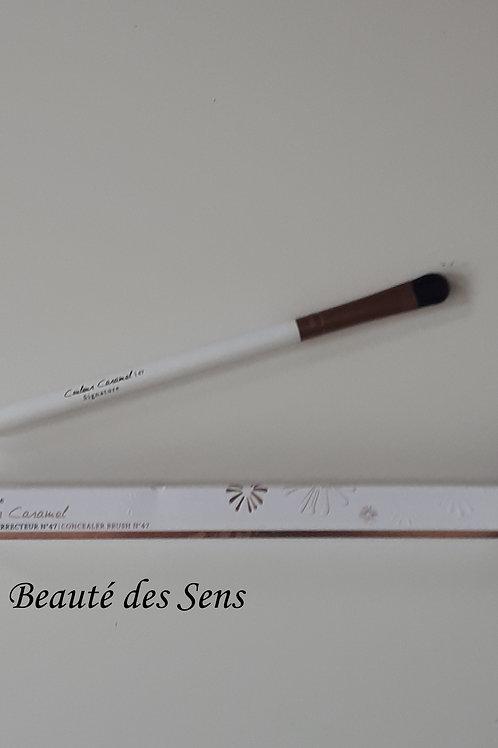 pinceau à maquillage correcteur couleur caramel N°47