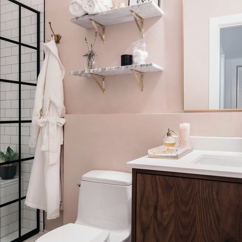 Bathroom Organization 101 - plus some decorating tips