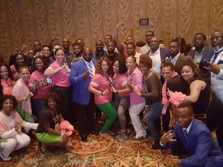 Fort Bend Sigma show love to the AKA's