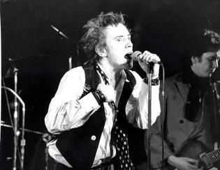 Johnny Rotten w Steve Jones