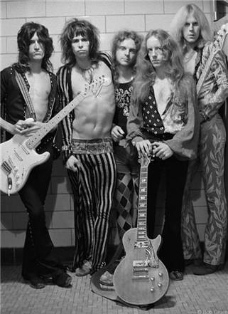 R-279_Aerosmith_GroupShot1973_Gruen.jpg
