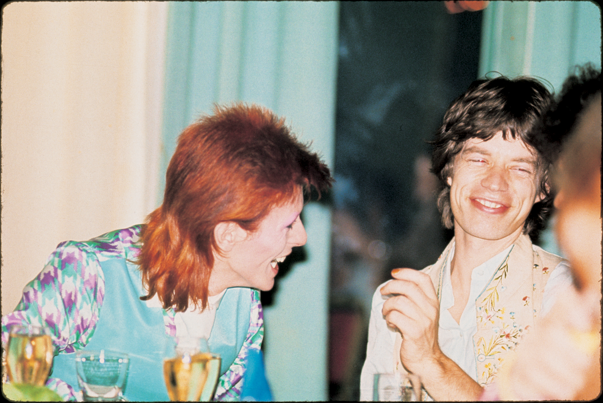 Bowie_Jagger_CafeRoyale1973(c)MickRock.t