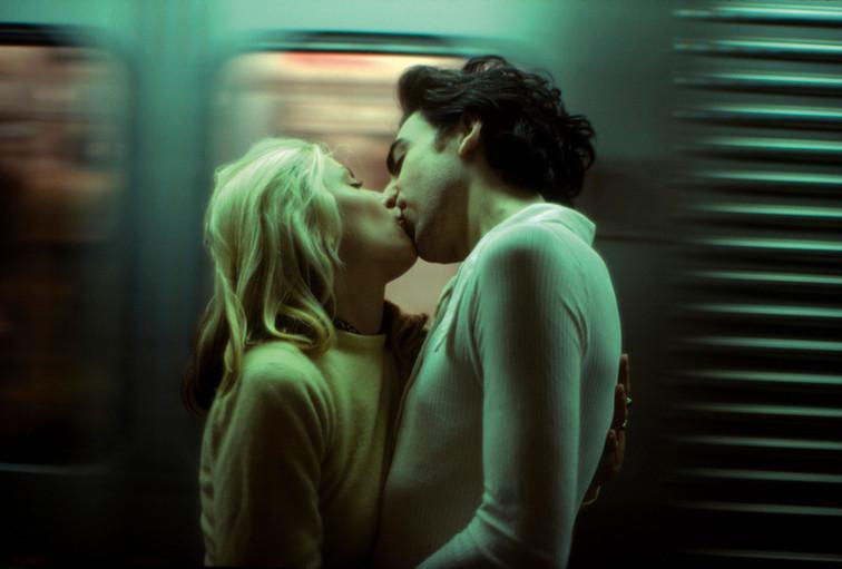 subway_kiss.jpg