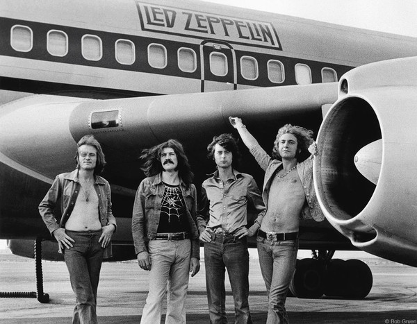 Led Zeppelin - In Front of Plane NY 1973