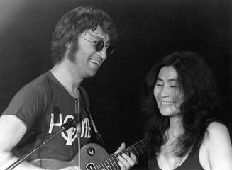 John Lennon & Yoko Ono Butterfly Studios, NYC 1972