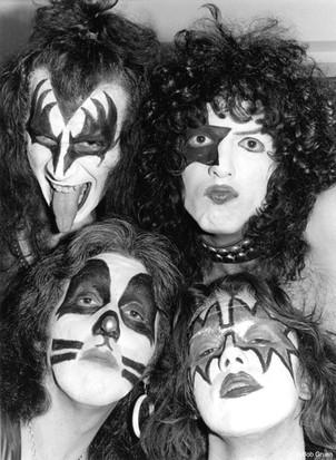 Kiss Close-Up. NYC, 1975